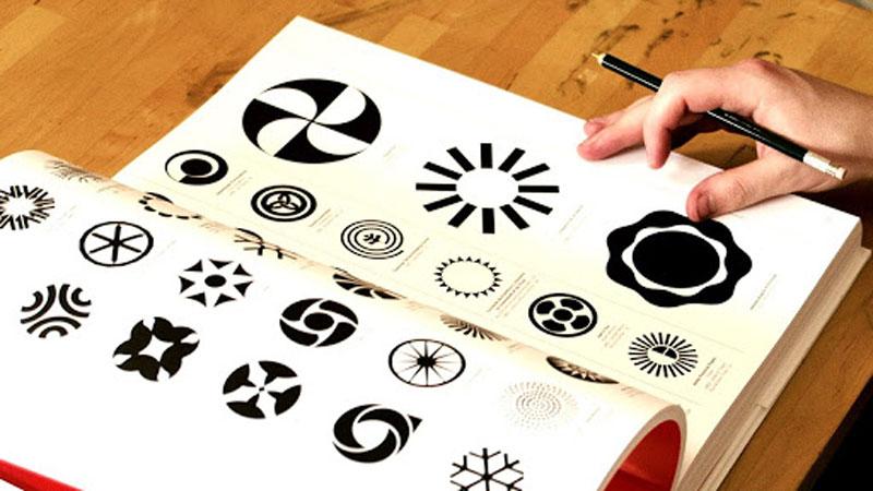 طراحی لوگو با تکنیک های طلایی ظریف گرافیک